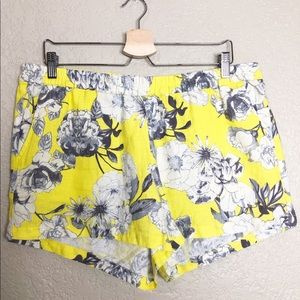 EUC Kut From the Kloth Jansen Yellow linen short